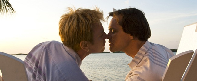 i_love_you_phillip_morris_movie_image_jim_carrey_and_ewan_mcgregor__1_