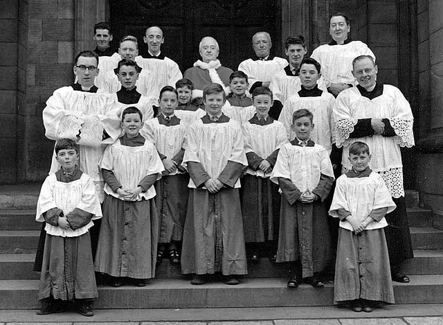 0_groups_and_outings_st_patrick_church_altar_boys